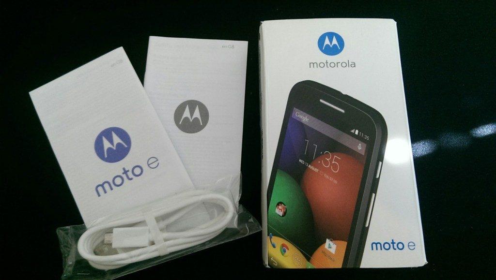 Motorola Moto E Box & Contents