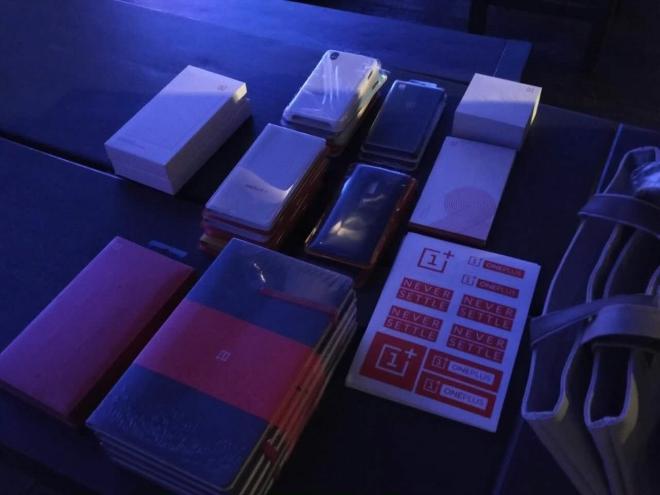 OnePlus-swag