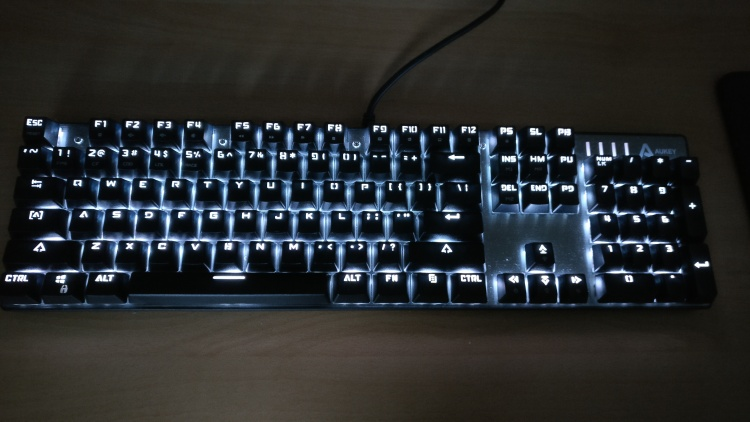 Aukey-Mech-Review-1